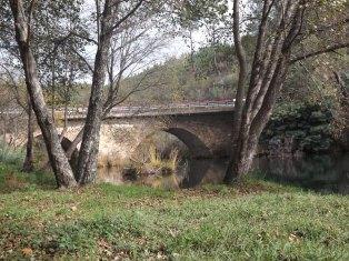 Ponte que vai de Mação para o Furtado, atravessando a Ribeira-de Eiras.