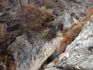 É incrível os locais onde os nossos antepassados edificavam os seus engenhos, neste caso num vale imenso e de difícil acesso.