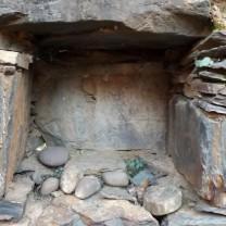 Uma janela toda feita em pedra...