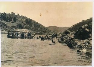 Barca da Amieira navegando no rio Tejo
