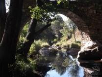 Ponte e ribeira do Aziral.